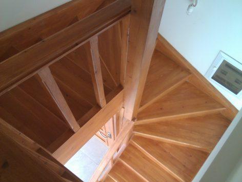 Σκάλες-Κουπαστές-Πατώματα